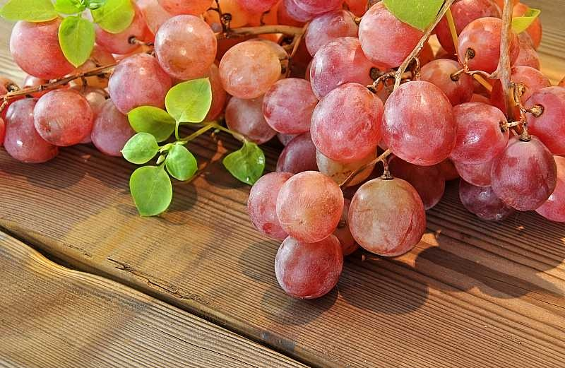 bigstock-Red-Grapes-55862300.jpg