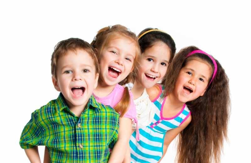 ما بتحلى الرحلات من غير 8  المسليات المفيدة  والصحية  للأطفال