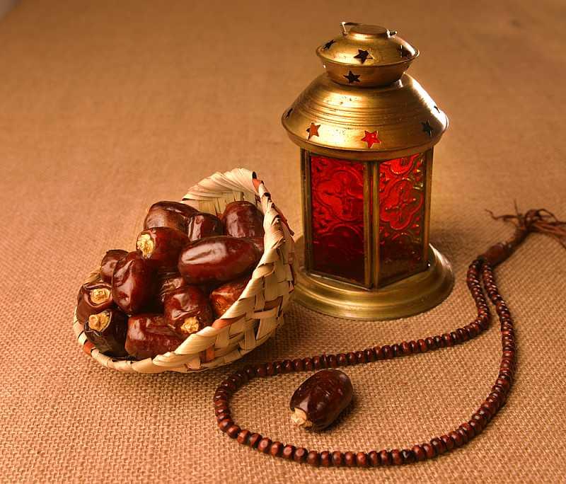 تناول التمر او الرطب في رمضان